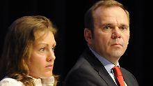 Müssen gehen: Bernd Hoffmann und Katja Kraus.