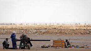 Gaddafi beschießt Rebellen aus der Luft: UNO erwägt Flugverbotszone