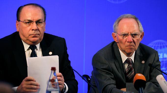 Vorahnung schrumpfender Erlöse: Bundesbank-Präsident Axel Weber (l.) und Bundesfinanzminister Wolfgang Schäuble beim vergangenen G20-Finanzgipfel.