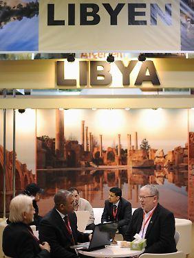 Am Stand von Libyen auf der ITB.