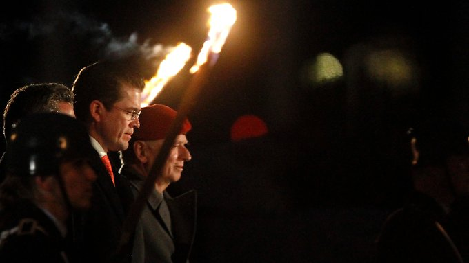 Großer Zapfenstreich für Guttenberg: Auch das Ende wird zur Show