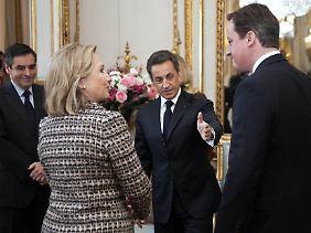 Kriegsgipfel: US-Außenministerin Clinton, Präsident Sarkozy (Mitte) und der britische Premier Cameron.