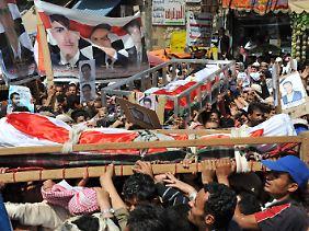 Am Sonntag wurden die Opfer der Proteste von Freitag beerdigt.