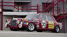 Der Rennwagen Mercedes 300 SEL 6.8 AMG.