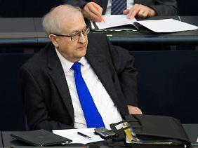"""Brüderle im Bundestag. Offiziell hat natürlich die Sicherheit """"absolute Priorität""""."""