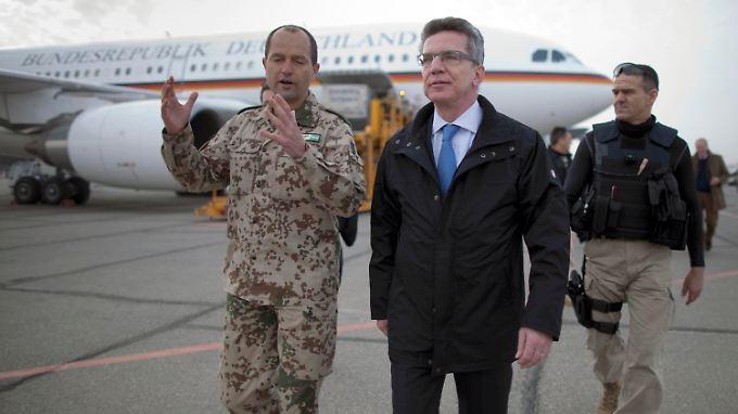 """Truppenbesuch in Afghanistan: De Mazière kommt """"als Lernender"""""""