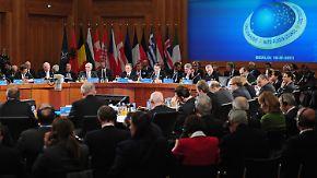 Umstrittene Pläne: NATO und Russland beraten Raketenabwehr