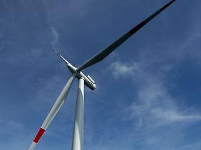 """Energiepolitik nach deutschem Vorbild: Dieser Rotor ist Teil des Offshore-Windparks """"EnBW Baltic 1"""" in der Ostsee 16 Kilometer vor der Halbinsel Darß."""