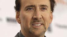 Der US-Schauspieler Nicolas Cage ließ zur Hochzeit seines ältesten Sohnes jede Menge Dollars springen.