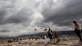 Dunkle Wolken über Athen - doch der Tourismus ist ein Hoffnungsschimmer.