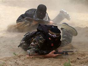Mitglieder der Volkfront zur Befreiung Palästinas trainieren im Gazastreifen.