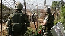 Israelische Soldaten sichern die israelisch-libanesische Grenze.
