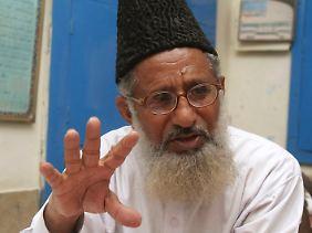 Bei einem Anschlag wurde der Taliban-Kritiker Maulana Sarfraz Naeemi getötet.
