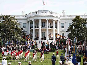 Das Zeremoniell vor dem Weißen Haus folgt einer exakten Choreografie.