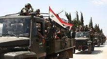 Die syrische Armee rückt auf die Kleinstadt Dschisr al-Schogur vor.