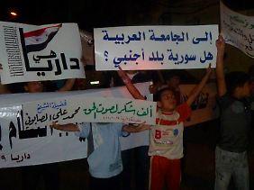 Die Proteste gehen weiter: Freitagabend in der Stadt Daria nahe Damaskus.