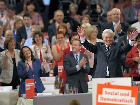 Auf dem Parteitag ist die Stimmung gut: Die Delegierte bejubelten Steinmeier gut zehn Minuten.