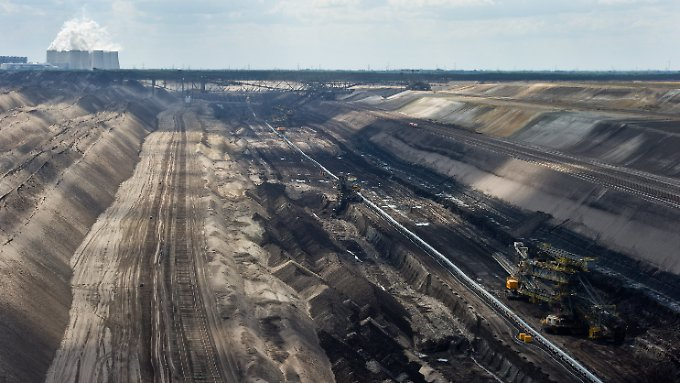 Braunkohle-Tagebau der Vattenfall Europe AG unweit des brandenburgischen Jänschwalde.