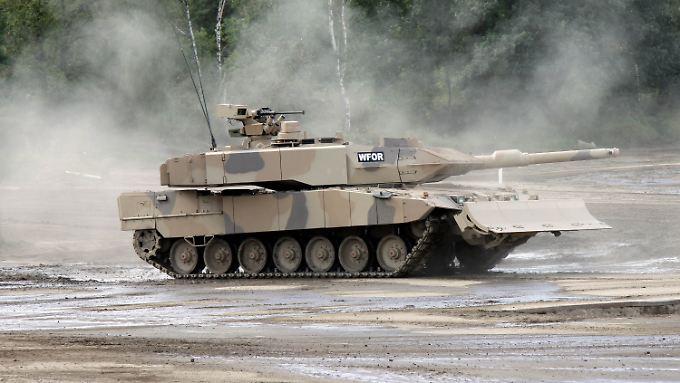 """Der Stein des Anstoßes: Ein """"Leopard""""-Panzer."""