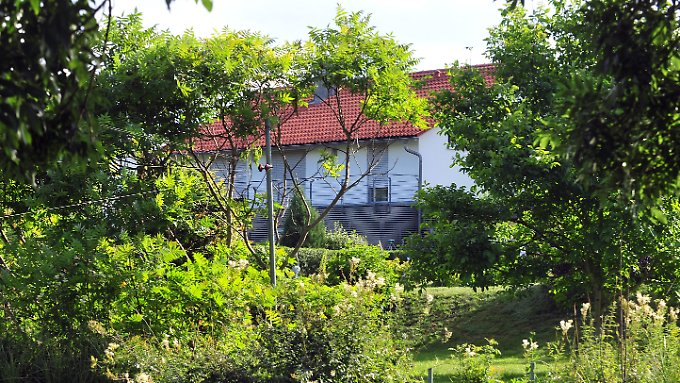 Die Idylle in Heidenheim-Schnaitheim trügt, der Witwer verkraftete das Verbrechen an seiner Frau nicht.