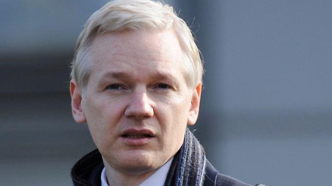 Finanzschlinge um Wikileaks: Julian Assange versteigert sich
