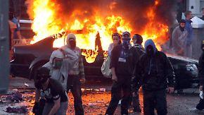 Krawalle in Nordirland: Katholiken randalieren in Belfast