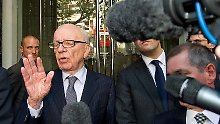 Murdoch nach dem Treffen mit der Familie von Milly Dowler.