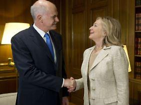 Suchen nach einer Lösung: Auch US-Außenministerin Clinton bemühte sich bei einem Treffen mit Griechenlands Premier Papandreou.