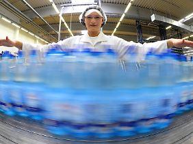 Die Mineralwasserindustrie verzeichnet steigende Absätze.