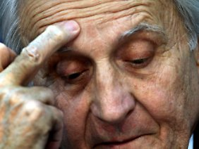 Jean-Claude Trichet steht unter Beschuss. Ergreift er in der Krise die richtigen Maßnahmen?