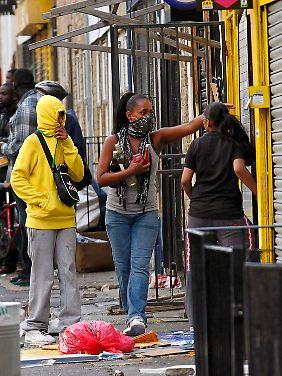Plünderer in Hackney im Norden Londons.