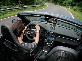 Des Porsches liebstes Revier: Kurvige Landstraßen, gern auch bergig, machen am meisten Spaß.