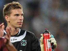 Ron-Robert Zieler gehört demnächst zum DFB-Kader, mit 22 Jahren, nach 18 Bundesligaspielen. Bei einem 25-jährigen Stammkeeper macht Zielers Berufung durchaus Sinn.