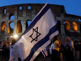 Demonstration für Schalit am 24. Juni 2010 vor dem Kolosseum in Rom.