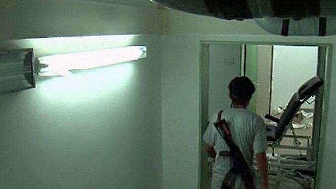 Hochmodern und unsichtbar: Rebellen finden unterirdisches Krankenhaus