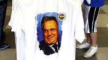 Fenerbahces Präsident Aziz Yildirim sitzt in Untersuchungshaft.