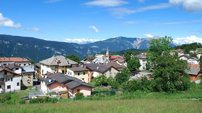 Nur knapp 300 Menschen leben in Lusern. Manche Häuser stehen leer, weil ihre Besitzer in die Städte gezogen sind.