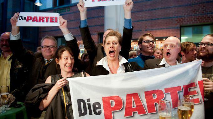 """""""Jubel"""" in der FDP-Parteizentrale über das Wahlergebnis. Allerdings jubeln nicht die Liberalen."""