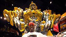 Transformer Bumblebee mit Darsteller: Ein gutes Geschäft für Viacom, aber insgesamt nicht gut genug.