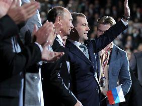 Wladimir Putin und Dmitri Medwedew.