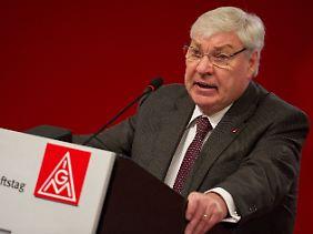 DGB-Chef Sommer hat die Ratingagenturen als Hauptfeind ausgemacht.