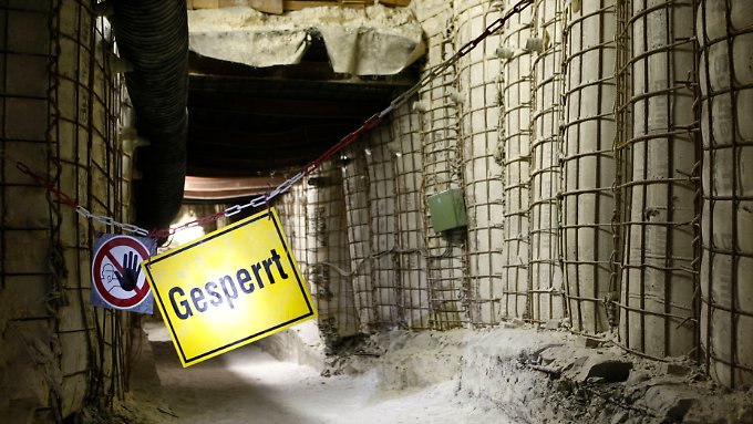 Von 1967 bis 1978 wurden nach bisherigen Erkenntnissen 126.000 Fässer mit schwach und mittelschwer radioaktiv belasteten Müll gelagert.