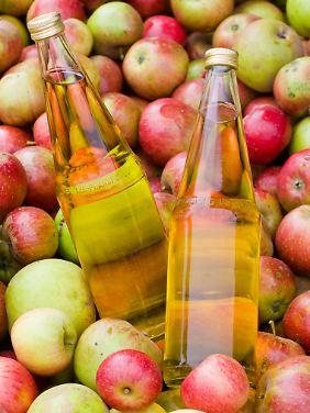 """Zuckerhaltige Getränke - und damit zum Beispiel auch Säfte - gehören ebenfalls zu den """"leicht verfügbaren Kohlenhydraten""""."""