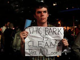 In einer nächtlichen Aktion räumten die Campierenden den Park selbst auf.
