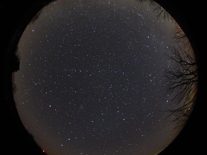 Sternenhimmel über der Rhön (Nachtaufnahme mit Superweitwinkel)