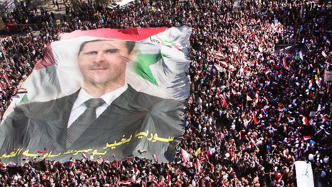 Assad will dem internationalen Druck weiter standhalten.