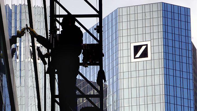 Großreinemachen in der Bankenbranche. Die Deutsche Bank steht da nicht allein.