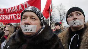 Gegen Putin, für Neuwahlen: Zehntausende Russen protestieren