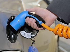 Elektroautos spielen bisher für Privatkunden kaum eine Rolle.