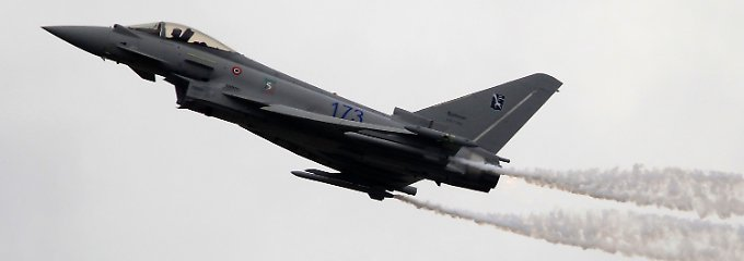 Eurofighter Typhoon mit Show-Effekten an den Flügelspitzen: Die Japaner sind zumindest interessiert.